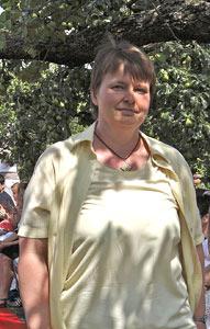 Maria Schmid bei der Modenschau 2011
