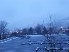 Stein im Winter Blaue Stunde