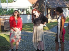 Schlauchkleid, Schalkraghenbolero; Carmenrock Leinen, Schalkragenbolero Leinen