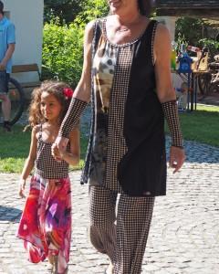 Wachaukaros: Patchkleid, Papermoonhose, Kinder-Ensemble